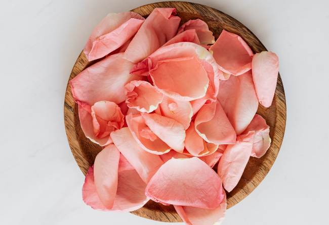 artificial rose petals for decoration